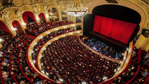 La Bohème In Berlin Komische Oper Berlin