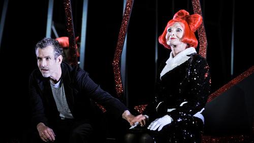 15e9bc5ef5 Der Besuch der alten Dame in Berlin: Deutsches Theater
